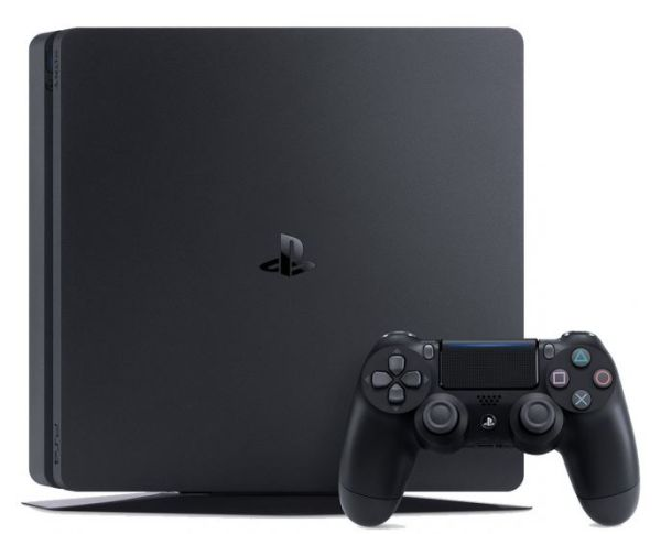 SONY PlayStation 4 - 1TB slim Black CUH-2116B + FIFA 18 Ronaldo Edition + PS Plus 14 dní