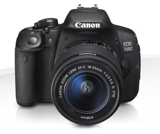 Canon EOS 700D + EF-S 18-135IS STM